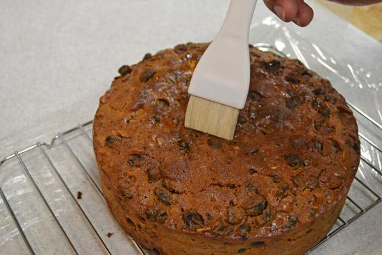 「フィーディングフルーツケーキ写真フリー」の画像検索結果